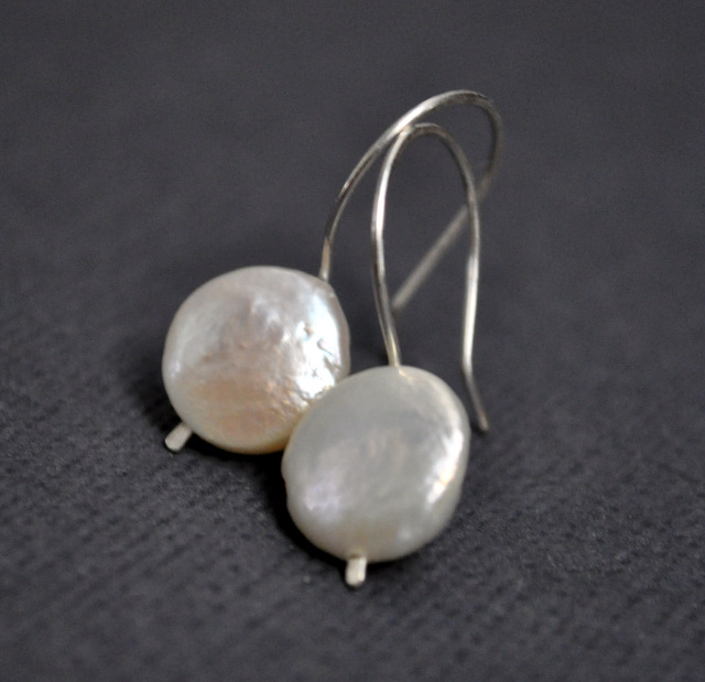 August Giveaway – Pearl Earrings & Necklace