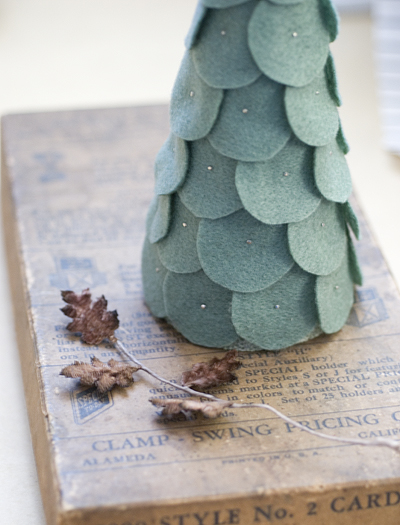 ~ Tuesday Tute ~ Crafty Christmas Tree Roundup