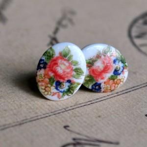 New to Vintette – vintage cabochon earrings galore!
