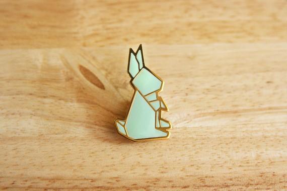 Today I Like… {18/12/11}… Origami Rabbit Pin