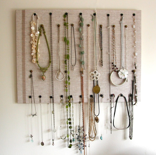 10 pretty ways to display your necklaces at home diy - Porta collane ikea ...