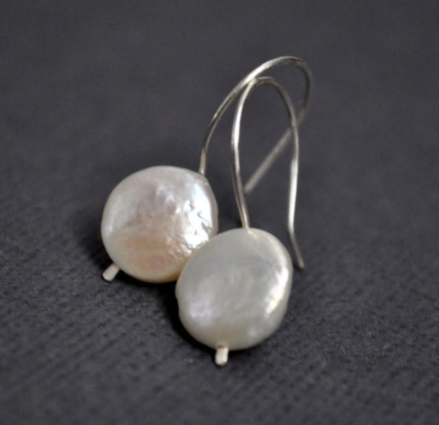 white coin pearl 2