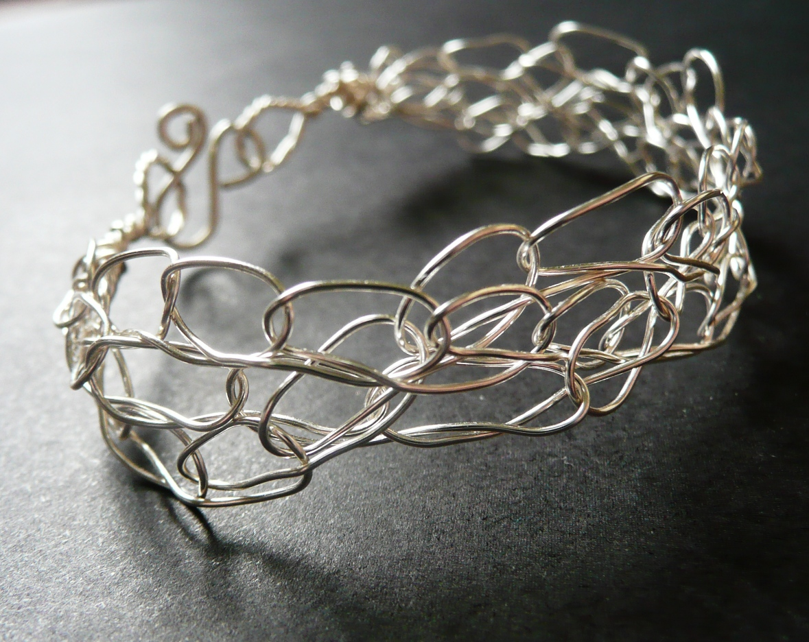 How to Make a Metal Crochet Bracelet Workshop {+ DIY Instructions ...