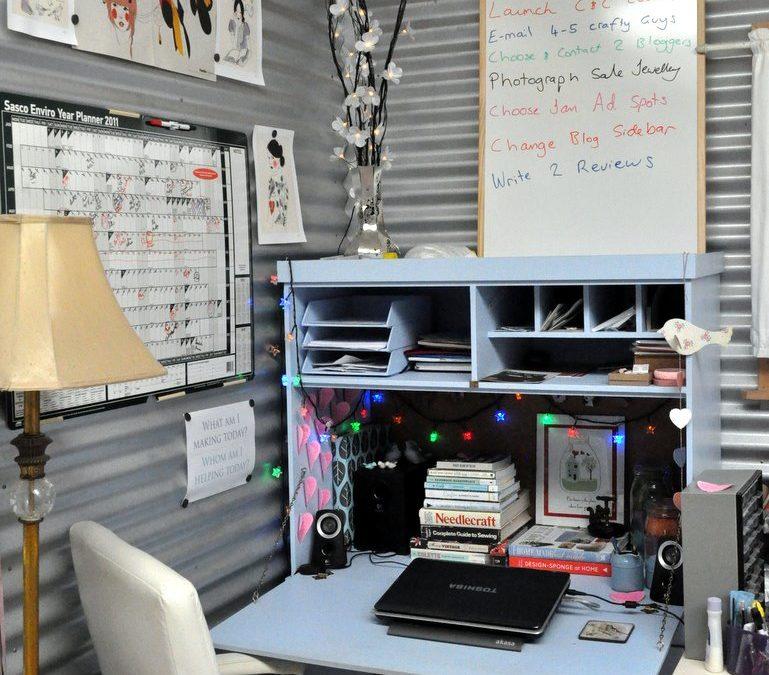 A Peek at my Desk…